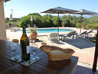 Villa David - Spacious villa, with pool and stunning scenery