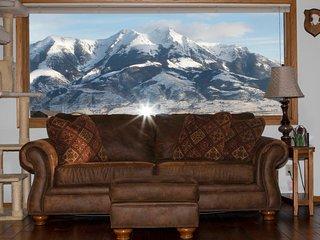 Monarch Garden Inn AC, Wi-Fi, Jacuzzi 180° Mountain View Penthouse Apt