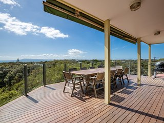 The Views: Entertainers' deck and bay views