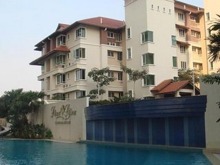 Condo Homestay with Golf View