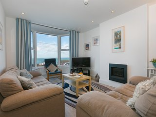 SeaCrest - House With Views over Porthmeor Beach – Sleeps 10 with Parking