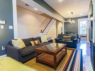 Lovely Renovated Victorian Home 1.5 mi to US Capital (NEW Intro pricing!)