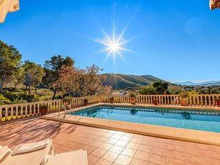 Villa Ocaso, stunning villa to sleep 8 people in Javea. Swimming pool,wif and AC