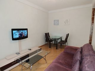 Two bedrooms Lux 54 Khreshchatyk Bessarabska square