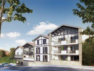 Spacieux et luxueux appartement situe a 200 m de l'ocean avec parking prive