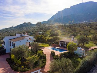 Villa mantequilla stunning country location on the edge of Alora town