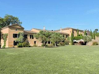 Divine Villa for up to 22 people, near Carcassonne