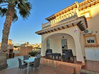 VDE-058 3-bed quad villa in Lomas de Cabo Roig.