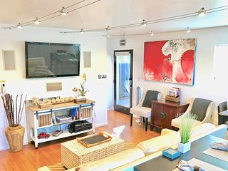 ❤️Venice Beach Gem w/Yard, near Abbot Kinney & Canals  (2 bedrooms, 6 guest max)