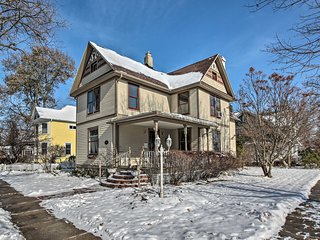 Home in Maple Park: Walk to Downtown & Lake Geneva