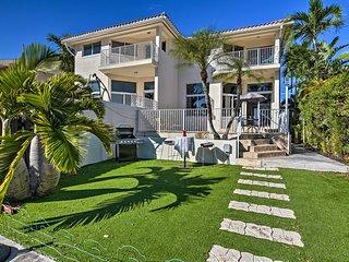 NEW! Luxe Modern Waterfront Villa in North Beach!