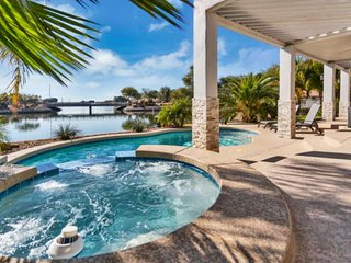 WOW! Waterfront home w/ Kayaks & Paddle boat, Private Heated Pool, Spa–NO Extra