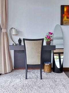 Bedroom desk & chair