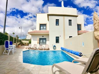 Villa Calle Aulaga 41, brand new 4 bed villa with air con & Wifi