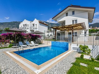 Villa Bali - 4 Bedrooms, Luxury Holiday Villa in Fethiye Ölüdeniz