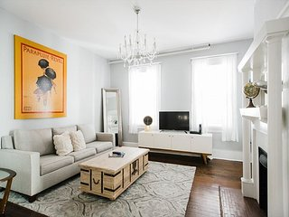 Downtown Digs for Four, Walk Everywhere by Lucky Savannah