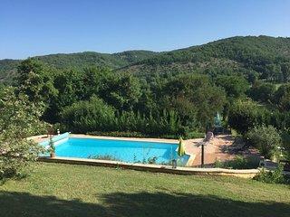 Belle Villa de 270 m2, au calme en plein coeur du Lot - piscine chauffée