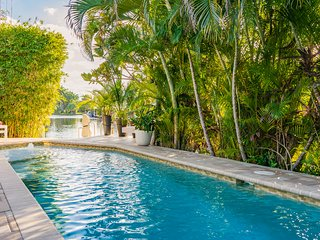 NEW*BTSVV'S- CASA PALAZZO-3/2 WATERFRONT-PRIVATE POOL-1.5 MILE TO FT. LAUD BEACH