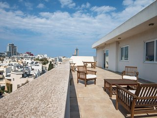 City Centre Penthouse in St Julians