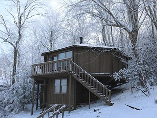Slopeside Home - only steps to skiing