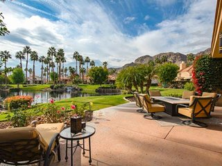 NEW LISTING!! 'AWESOME' Breathtaking Lake and Mountain Views in Palmer Private w