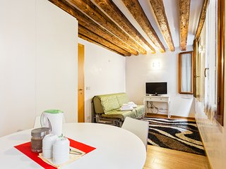 Second-floor suite with WiFi just steps from St. Mark's Square!