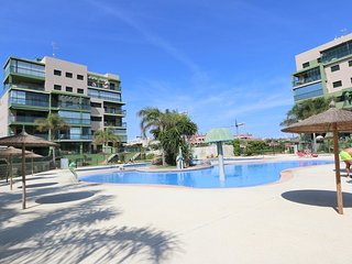 VDE-049 Seaview beach apartment with spacious balcony close to everything