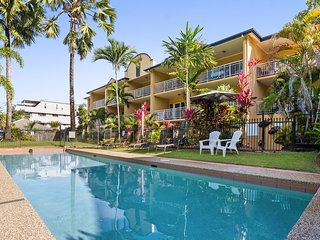 Fully self-contained 1 bedroom apartment on the beachfront north of Cairns
