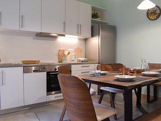 Modern, spacious flat near the city center