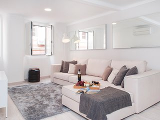 Modern charm apartment in Lisbon's downtown near Liberdade's avenue