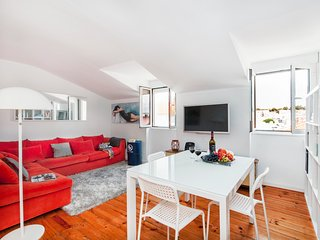 Modern charm apartment in historical setting, easy parking