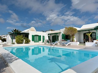 Olivina Puerto del Carmen Share Pool 2 Bedrooms