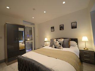 New Luxury 1 Bed Apt City Centre