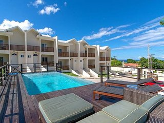 Amazing 2BR Townhouse w/Pool,  Beach Club, Montego Bay#1- 30 Mins Antigen Result