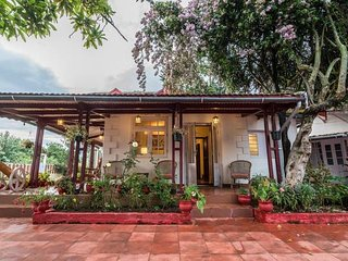 Colonial 4BR Home, Great for Families, Coonoor