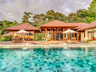 Authentic Balinese architecture eco-reserve w/private infinity pool & ocean view