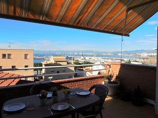 Casa duplex en alquiler con vistas al mar y terraza en Roses-MERCE ROD