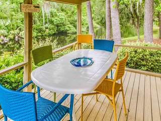 Bright and inviting condo w/ shared pools & tennis courts - near the beach!