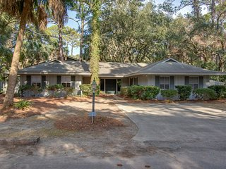 Dog-friendly Sea Pines dwelling near the beach w/ South Beach pool access!