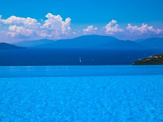 VILLAS ATTIS - Spacious Villas Overviewing Ionian Sea and Bay of Sivota