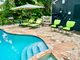 Historic Luxury Bungalow minutes to Las Olas and Beach w/Pool!