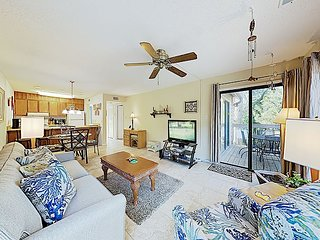 Lovely Palmetto Dunes Getaway w/ Pool & Shuttle to Shelter Cove, Near Beach