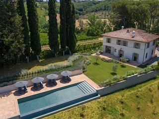 Villa Altoviti, luxury Chianti villa with swimming pool and air conditioning!