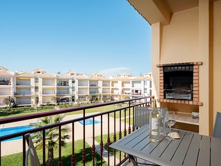 2 Bed Apartment | Quarteira | 10 Min walk to Beach | Pool