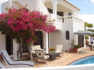 Vale do Lobo Villa Sleeps 8 with Pool and Air Con - 5827004