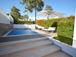 Vale do Garrao Villa Sleeps 6 with Pool Air Con and WiFi - 5826999