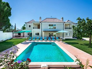 Almancil Villa Sleeps 8 with Pool Air Con and WiFi - 5826996
