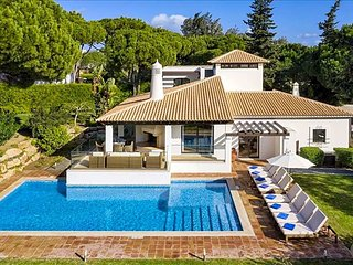 Aldeia das Acoteias Villa Sleeps 8 with Pool and Air Con - 5826987