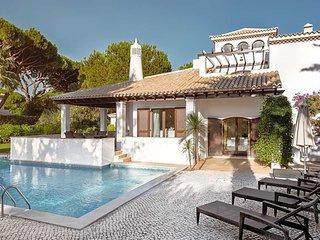Aldeia das Acoteias Villa Sleeps 8 with Pool and Air Con - 5826785