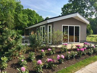 Beekbergen Holiday Home Sleeps 6 with Pool and WiFi - 5827708